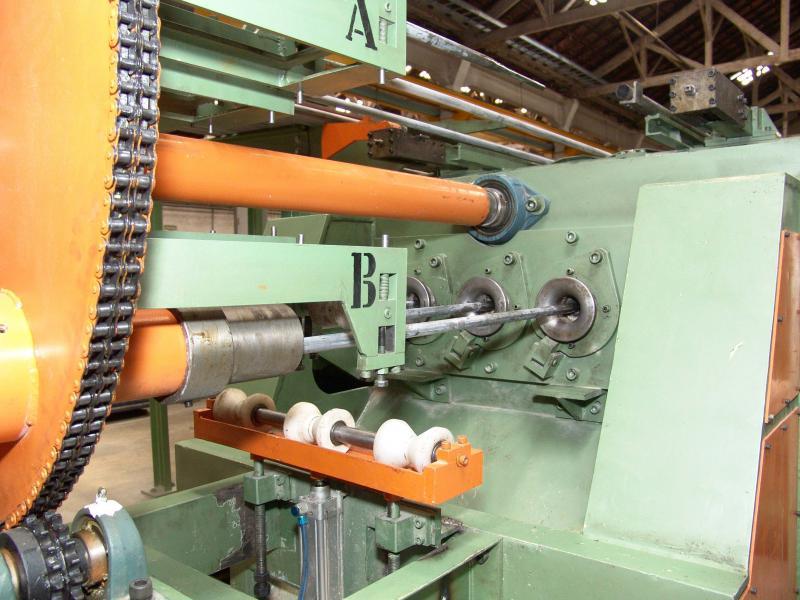 Distribuidor de tubo hidráulico
