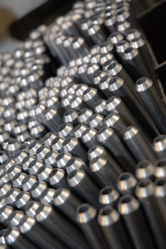 Fabricante de tubo com costura